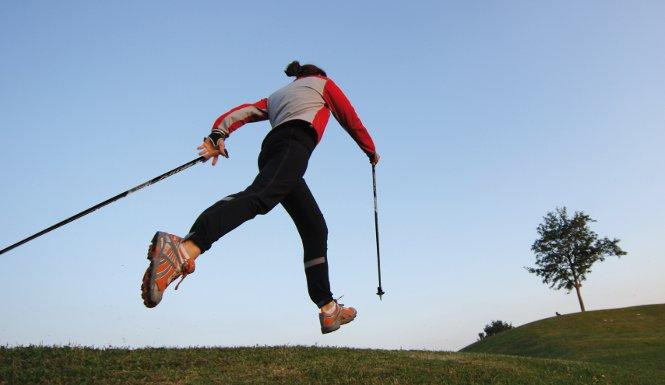 Mit der richtigen Nordic Walking-Technik zum Erfolg