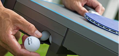 Figure: Buenas opciones de almacenamiento para pelotas y raquetas