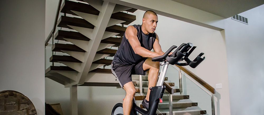 Life Fitness powered by ICG® IC7 Indoor Bike
