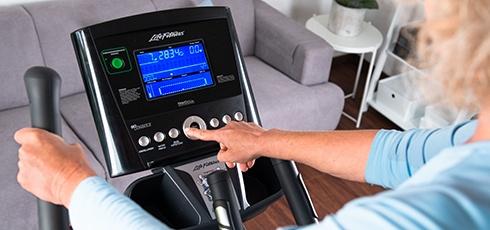 Bild: Smarte LCD-Konsole für ein vielseitiges und effektives Training