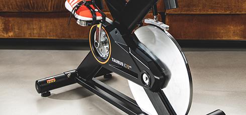 Taurus IC70 Pro Indoor Cycle <strong>Taurus IC70 Pro Indoor Cycle</strong>: progettata per un training intensivo