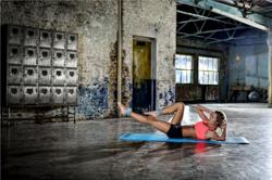 Effektivität beim Bauchtraining mit Gewichten steigern