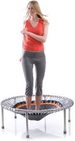 Mit dem Fitnesstrampolin trainieren