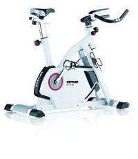 Heimtrainer und Indoor Bike zugleich: Der Kettler Racer 3